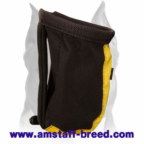 Lightweight training pouch for Amstaff